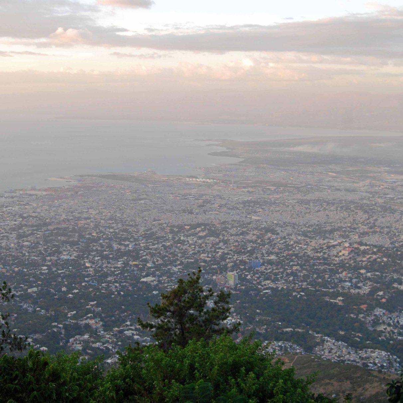 Overlook of Port au Prince, Haiti, 2014. (c) Colleen Briggs