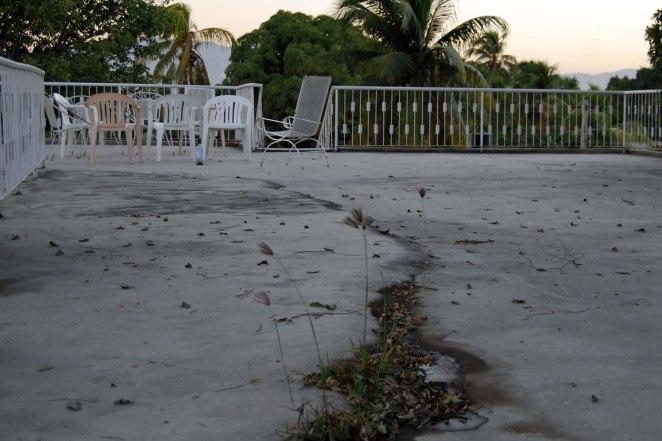 Haiti Rooftop Crack. (c) Colleen Briggs, 2014.