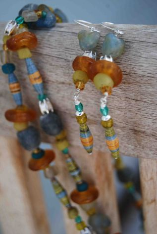 """Necklace and earrings made with paper beads (hand-made by friend of Pamba Toto Johanna Josephine) and """"fair-trade standard"""" recycled glass beads from Africa."""
