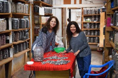 debbie-and-i-sorting-through-loose-beads-and-hand-picking-our-favorites-for-pamba-toto-creations